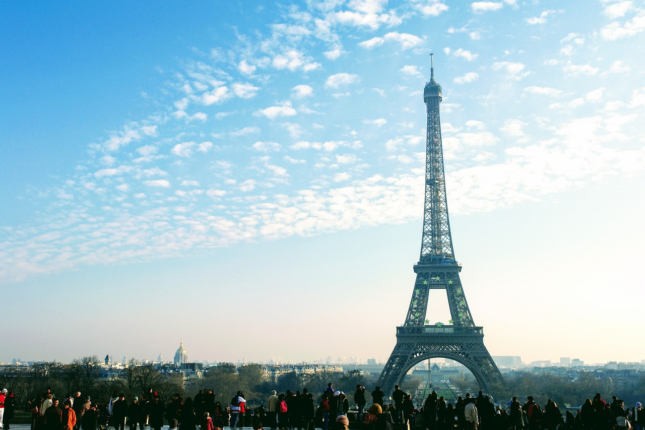 Major tourist attractions like the Eiffel Tower