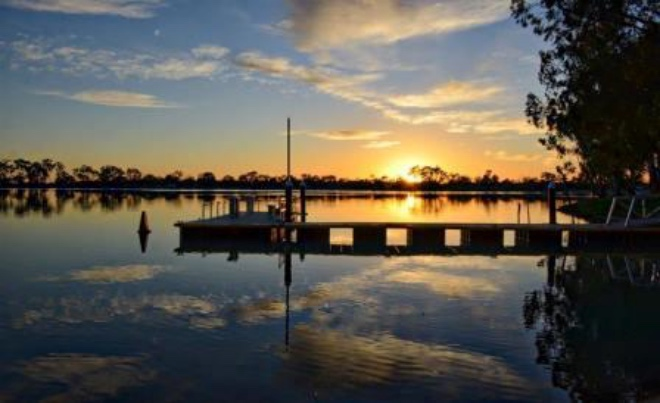 Located in Hopetoun, Lake Lascelles is just the spot for a family camping adventure.