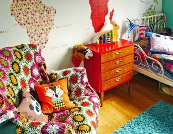 Mixing small-scale patterns in small child's room looks great.